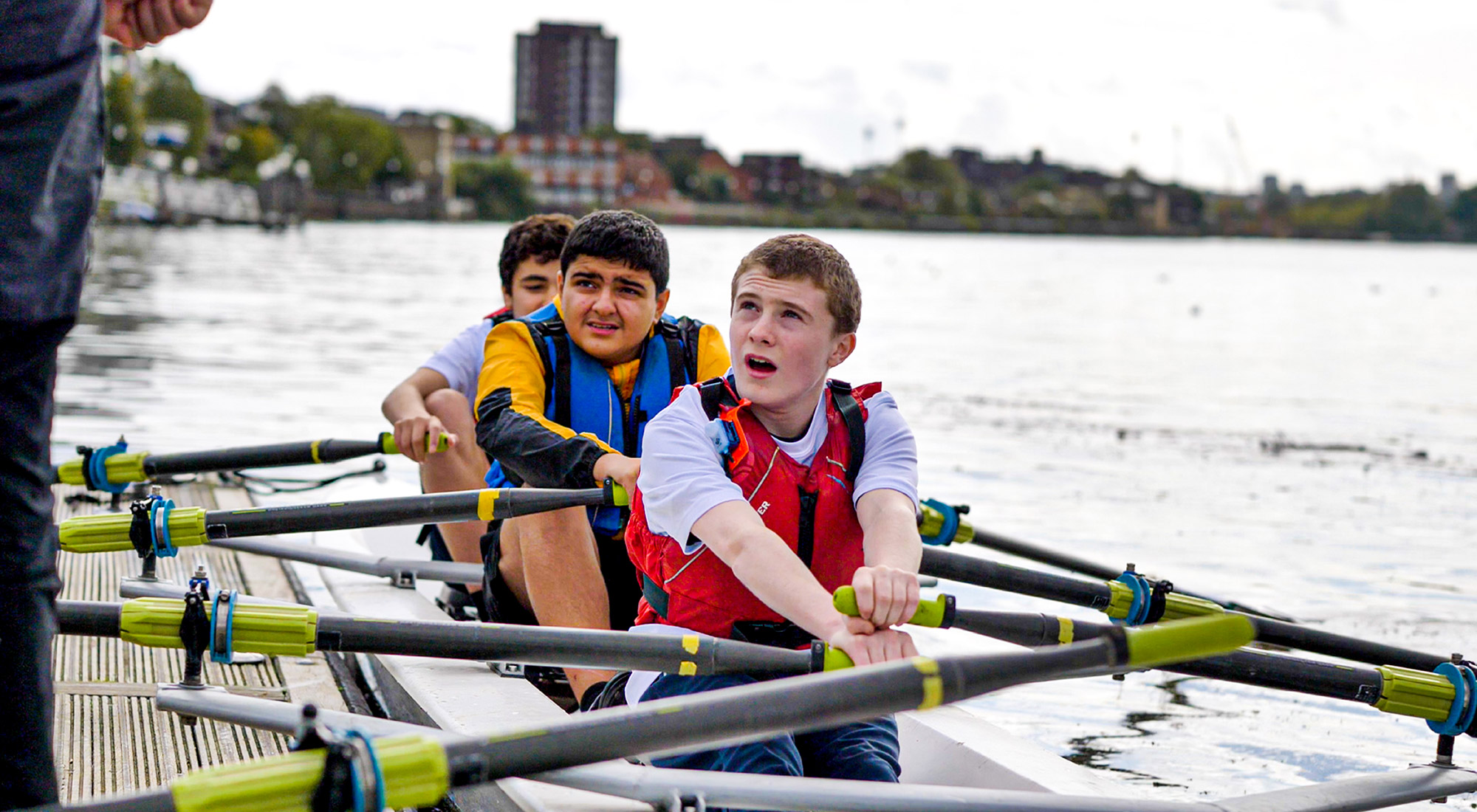 Young Londoners take to the water for European Week of Sport